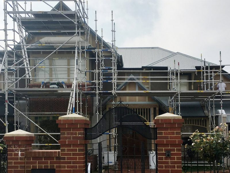 House 01 scaffolding
